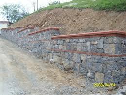 kademeli harman tuğla karışık yiğma taş duvar