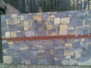 kayrak taşı yığma taş duvar